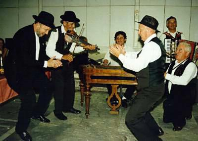 <p>After party following the concert in Cankarjev dom, 1995<br>photo: Barbara Klemenc</p>
