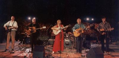 <p>Allan Taylor, Vlado Kreslin, Lidija Bajuk, Sean Cannon, James Cannon, Solin 2000</p>
